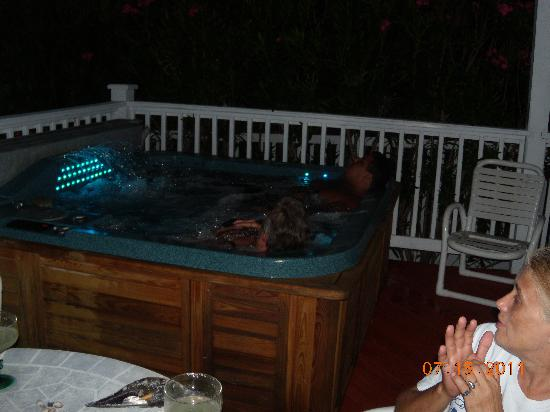 Granger House: Our Night Jacuzzi