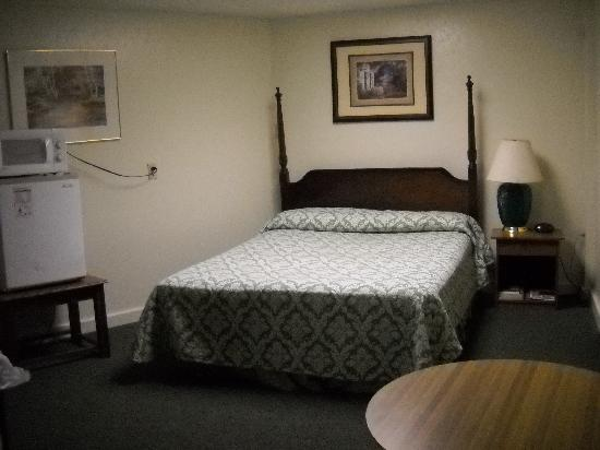 ‪‪Yough Valley Motel‬: One of nice suites downstairs.‬