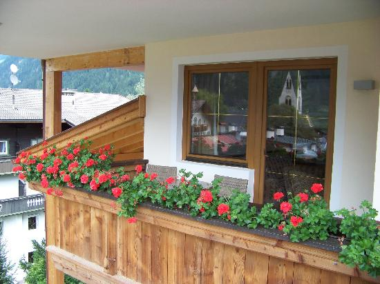 Zillertalerhof: Balcony area