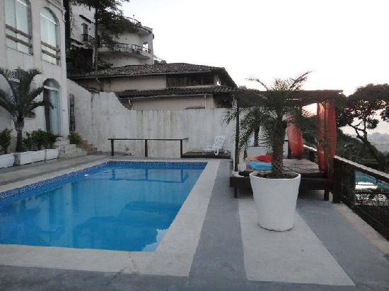 The Villa: piscine