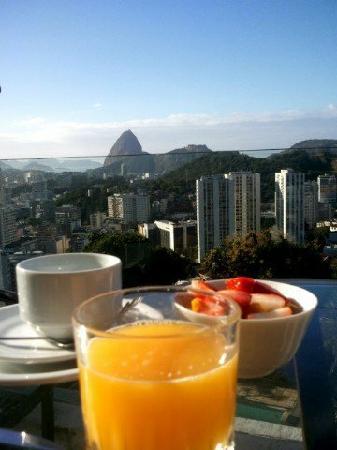 The Villa: petit déjeuner sur la terrasse