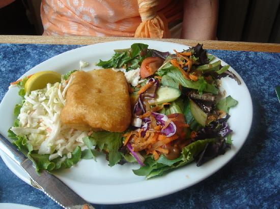 Old English Pub: Haddock and Salad