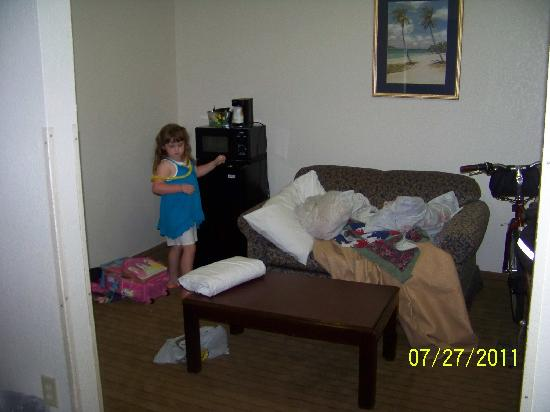 Super 8 by Wyndham N. Myrtle Beach/Cherry Grove: This was the livingroom suite.  It looks nothing like the picture.