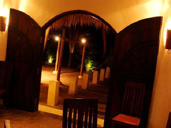 El Kabron Spanish Restaurant & Cliff Club: Entrance inside