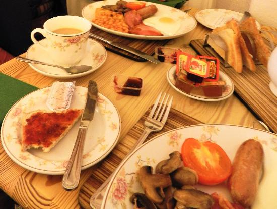 Ashleigh House: breakfast-1
