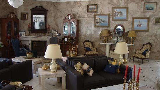 Hotel Pelagos: Three piece suite -lounge