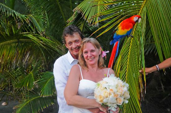Finca Exotica Ecolodge: Polly at our wedding