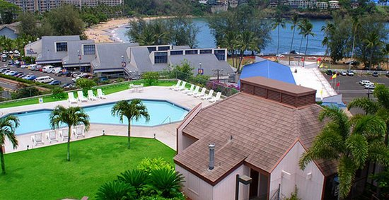 Banyan Harbor Resort: Our Kauai resort is located one block from the Kalapaki Beach.