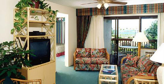 Banyan Harbor Resort: Our Hawaii hotel provides comfortable rooms with private lanai's.