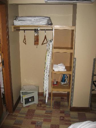 Greyfriars Hotel: The wardrobes