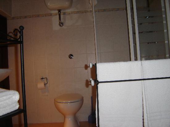 B&B Da Leo: baño
