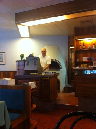 Pizzeria E Gelateria Primavera : The Pizzamaster