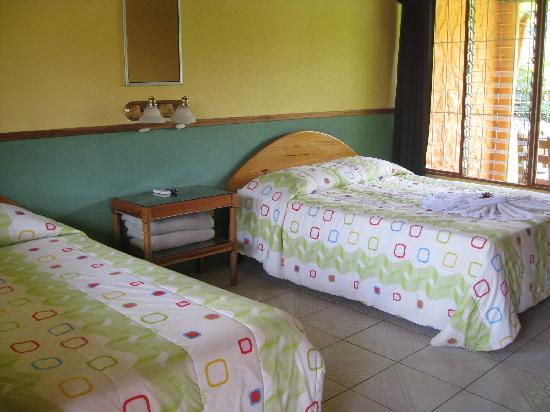 Cabinas Los Guayabos: inside the cabin