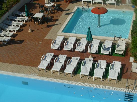 Hotel Sole : Piscine pour grands et petits