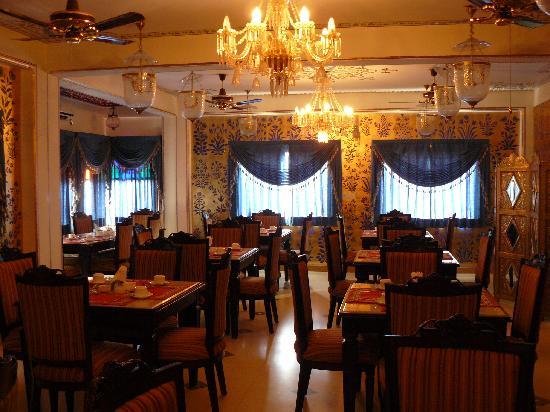 Umaid Bhawan Heritage House Hotel: comedor