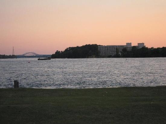 The Shores Waterfront: Great Sunset!!