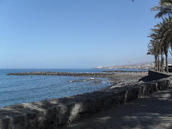 Compostela Beach Golf Club: les plage sont pas loin. Sable ou cailloux/gallets noir volcanique