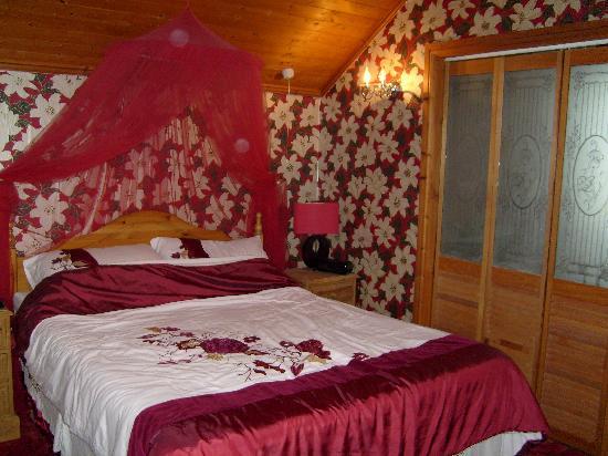 Jasmine House: Master Bedroom