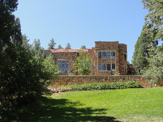 Glen Eyrie Castle & Conference Center : The Castle