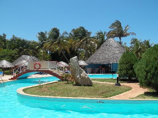 Brisas del Caribe Hotel: la piscine principale