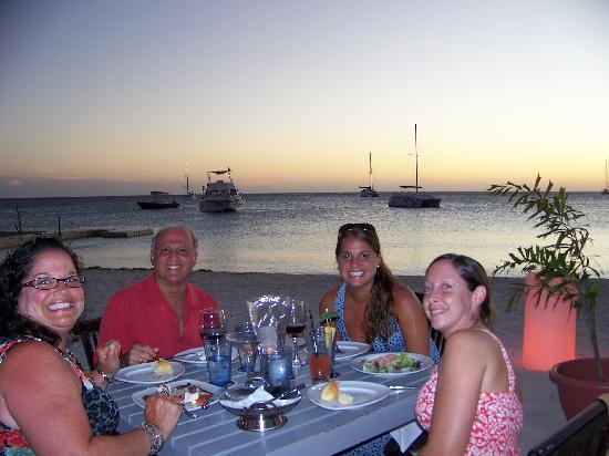 Barefoot Restaurant: Dinner was delicious!