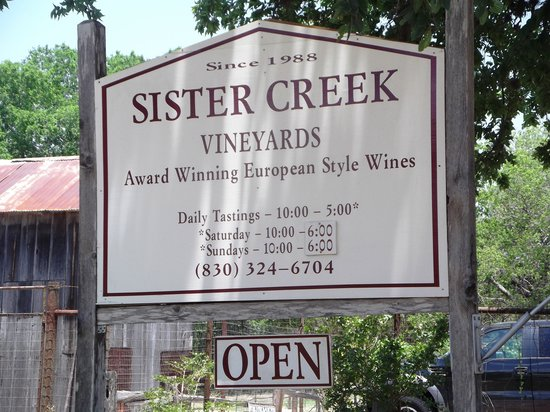 ‪Sister Creek Vineyards‬