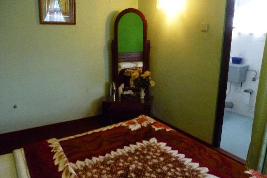 Sampath Hotel: Room 2