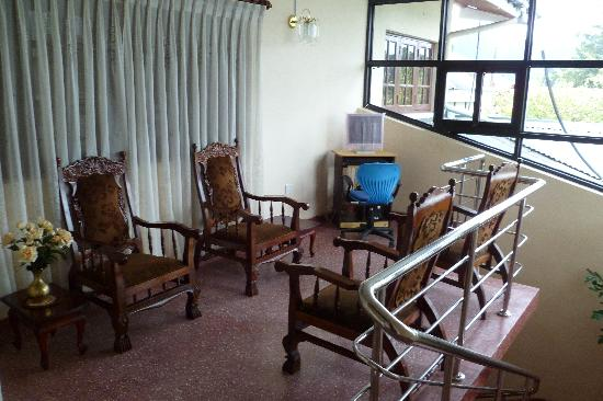 Sampath Rest Guesthouse: Sitting room