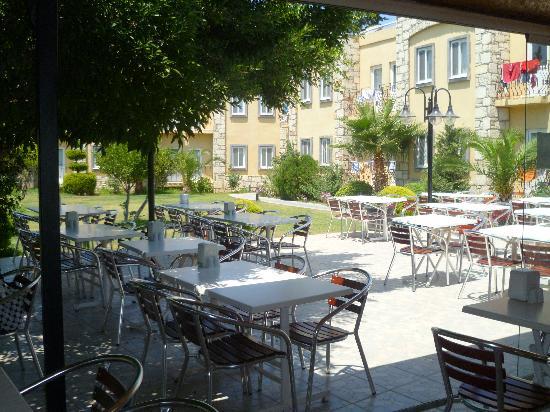 Parilti Hotel: restaurant de l'hôtel