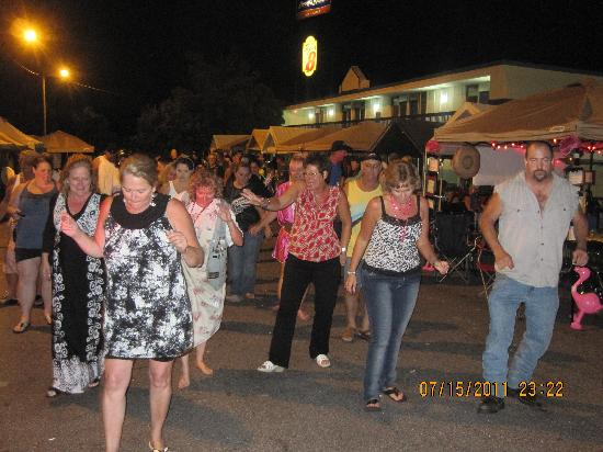 Commerce, GA: Dancing the night away