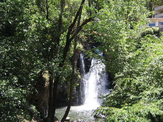 Mision Grand Valle de Bravo: Increíble vista de la cascada.