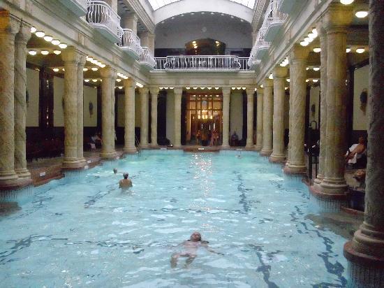 Gellert Spa: berühmtes Innenbecken