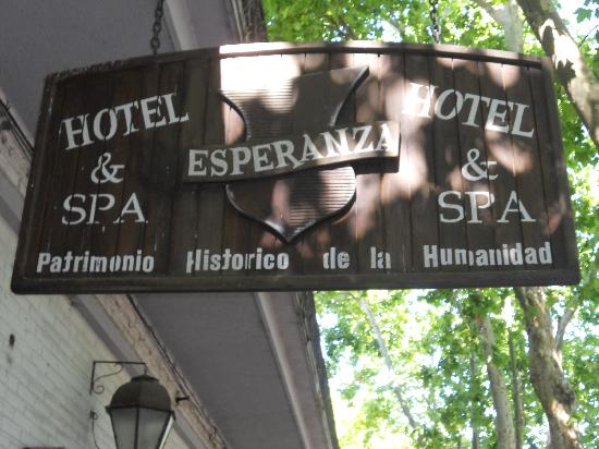 Hotel Esperanza & Artemisa Spa: Entrance Sign