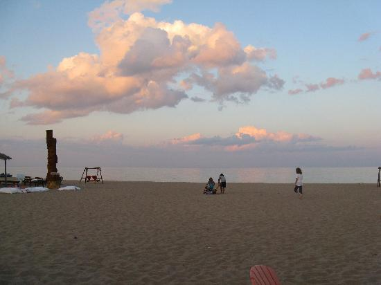 Mai Tiki Resort: BEST SUN SETS