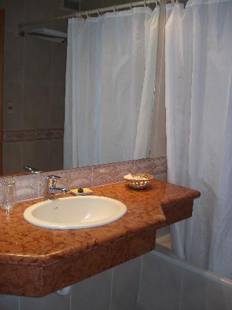 Crystal Palace Hotel: El Baño