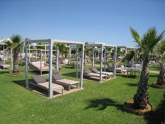 The Russelior Hotel & Spa: Partie proximale de la plage privée de l'hôtel