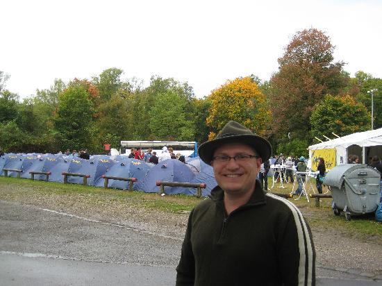 Campingplatz Thalkirchen: sea of partying tents