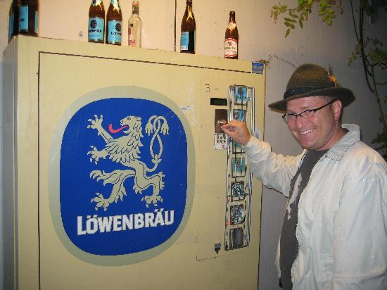 Campingplatz Thalkirchen: beer vending machine