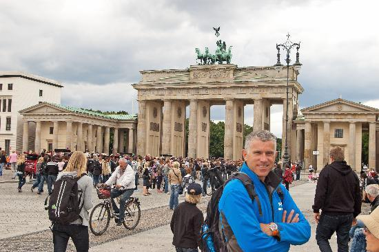 The Berlin Experts- Walking Tours: Jeremy at the Brandenburg Gate