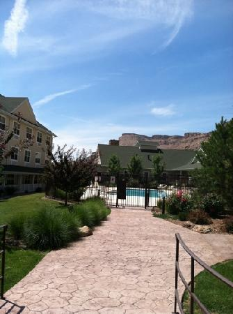 Wine Country Inn: view if central courtyard
