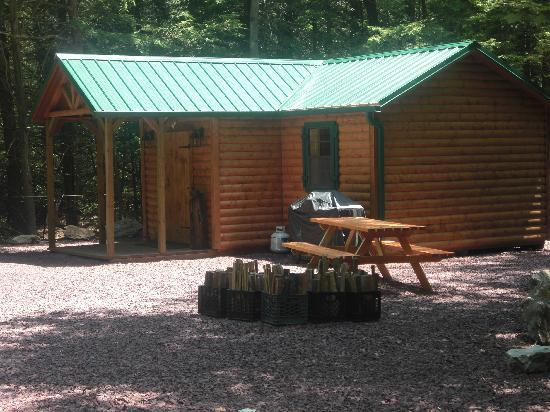RoundStone Camping Resort: Buckhorn Cabin (our largest cabin)