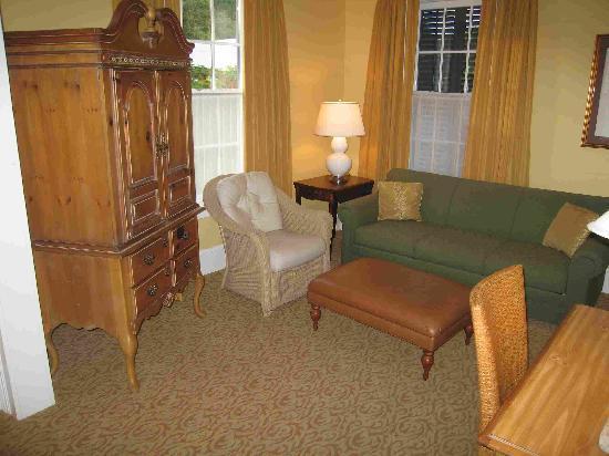 Marquesa Hotel : camera, salottino