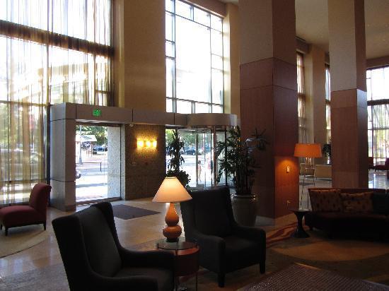 Hilton Vancouver Washington: Hotel Lobby