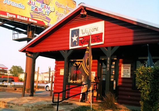 Grumps Burgers: Grump's - Granbury, TX