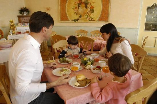 Centro Vacanze Veronza: colazione a buffet per la formula hotel