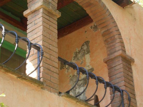 Eden Village Colostrai: datemi un po' di stucco!!!