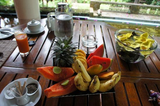 Apa Villa Illuketia: breakfast