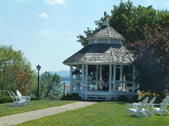 The Wolfeboro Inn: Bandstand and lawns