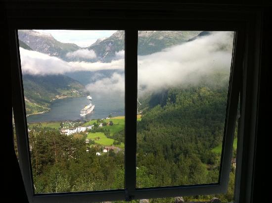 Hotell Utsikten: Spectacular fjord-view from room