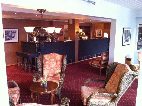 Hotell Utsikten: Reception & bar in hotel
